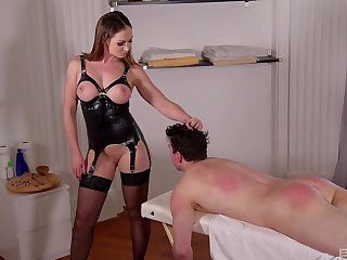 Irresistible dominatrix in stockings gets say no to feet pleasured