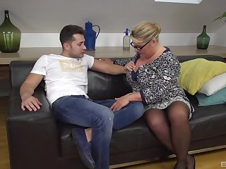 Mature BBW takes on a younger board and shows him how it's done