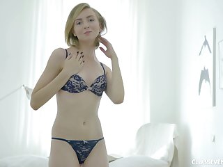 Blonde hottie Lucy V gets to use a sex bagatelle on the brush minuscule cunt