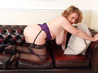 British milf Camilla Creampie works the brush lady bits