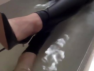 Sexy tight pants ankle cup-boy and heels far bath