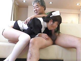 Yuuki Mayu fro maid cosplay blowjobing a few dudes