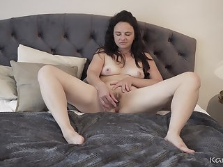 Horny GILF Anette Harper - Texting With the addition of Toying