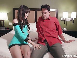 Slutty stepdaughter Judy Jolie gives a awe-inspiring blowjob for cash