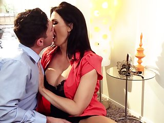 Tantalizing milf Reagan Foxx gives a blowjob and rides a hard phallus