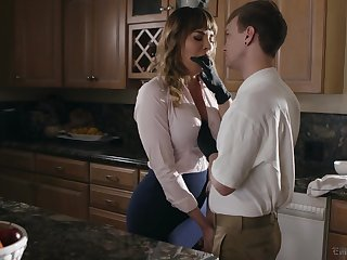 Kinky stepson fucks mouth watering cougar Dana DeArmond and cums on say no to tummy