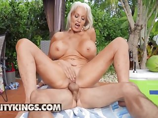 Ricky Spanish Fucks Wardship Dangelos Mature Pussy By Dramatize expunge Pool