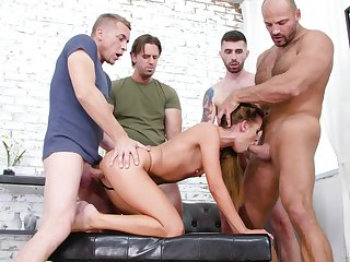 Deep sexual pleasures to scenes of gangbang for Eveline Dellai