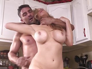 Busty blonde housewife is being fucked overwrought repairman